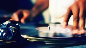 live vinyl dj